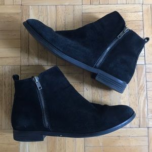 STEVE MADDEN Black Suede Booties Size 9